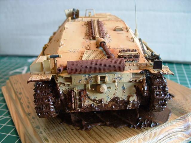 Achterkant van de Jagdpanzer 38 (t) Hetzer tank destroyer modelbouw.