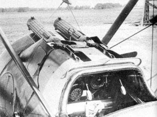 Britse Sopwith Camel voorzien van twee luchtgekoelde 7.7 mm Vickers