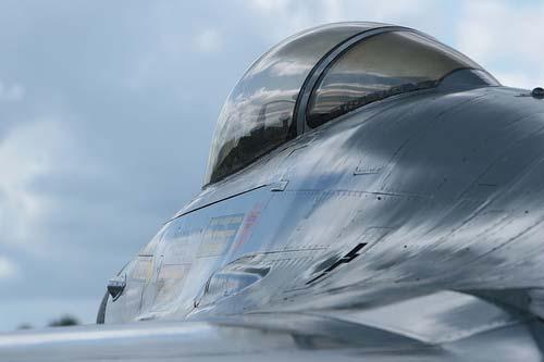 F16 - Cockpit